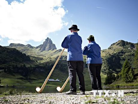 Hình ảnh độc đáo lễ hội kèn sừng quốc tế tổ chức ở Thụy Sĩ