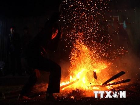 Độc đáo lễ hội nhảy lửa của dân tộc Dao ở tỉnh Điện Biên