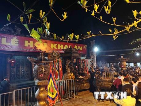 Hàng vạn người về dự khai ấn đền Trần - Nam Định năm 2019