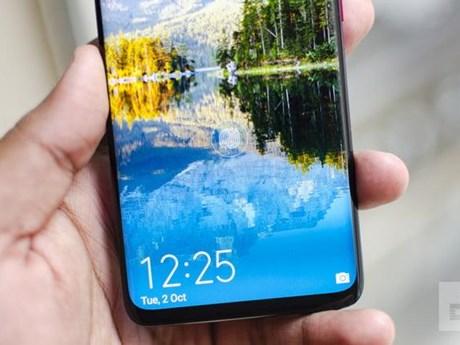 Người dùng giận Huawei để quảng cáo tràn ra màn hình khóa điện thoại   Công nghệ   Vietnam+ (VietnamPlus)