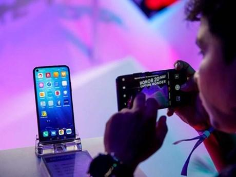 Bloomberg: Doanh số điện thoại của Huawei có thể sụt giảm tới 60% | Công nghệ | Vietnam+ (VietnamPlus)
