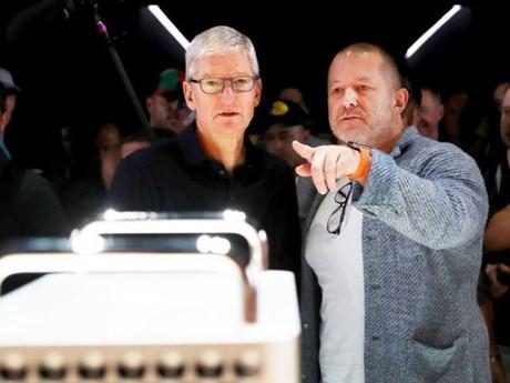 CEO Apple Tim Cook phản ứng gay gắt trước tin bất đồng với Jony Ive