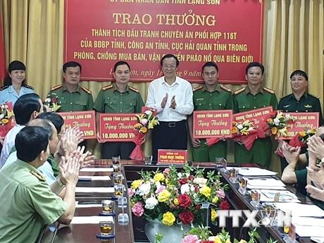 Lạng Sơn liên tếp phá đường dây buôn bán pháo nổ, ma túy quy mô lớn