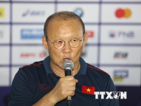 Phóng viên Trung Quốc xin lời khuyên của HLV Park Hang-seo  | Bóng đá | Vietnam+ (VietnamPlus)