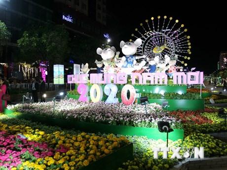Sắc thái văn hóa hội tụ trên Đường hoa Nguyễn Huệ Xuân Canh Tý 2020 | Điểm đến | Vietnam+ (VietnamPlus)