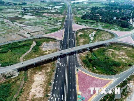 Hình ảnh cao tốc Hạ Long-Hải Phòng sẵn sàng cho ngày thông xe