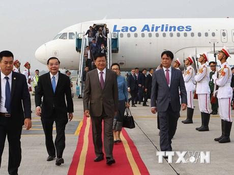 Hình ảnh Thủ tướng Lào đến Hà Nội dự WEF ASEAN 2018