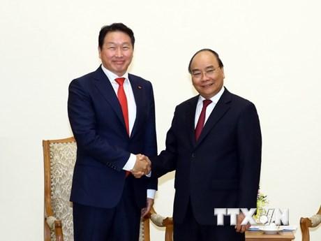 Thủ tướng Nguyễn Xuân Phúc tiếp Chủ tịch Tập đoàn SK Group