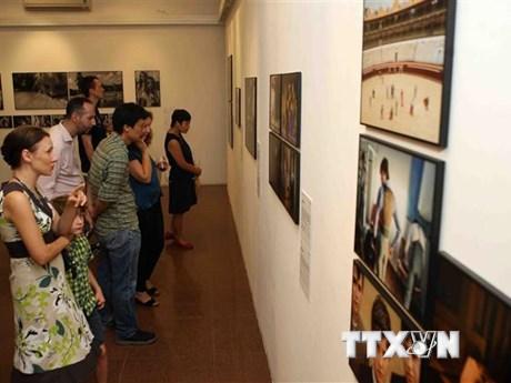 Triển lãm ảnh kỷ niệm 45 năm thiết lập quan hệ Việt Nam-Hà Lan