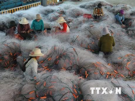 Những hình ảnh đẹp hiếm có về nghề sản xuất lưới ngư cụ