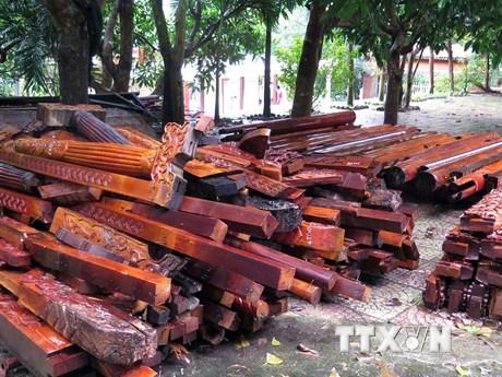 Hình ảnh tháo dỡ biệt phủ của 'đại gia vàng' Ngô Văn Quang