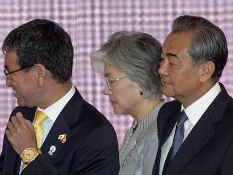 Ngoại trưởng Trung-Nhật-Hàn bắt đầu hội đàm tại Bắc Kinh