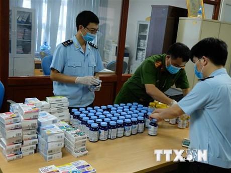 Hải quan và Công an phối hợp bắt vụ vận chuyển 43 nghìn viên ma túy