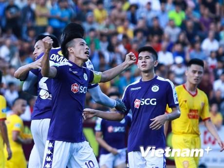 Quang Hải và Văn Quyết bùng nổ, Hà Nội FC mơ về 'cú ăn ba' | Bóng đá | Vietnam+ (VietnamPlus)