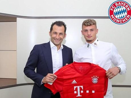 Bayern Munich chính thức ký đón thêm tân binh người Pháp | Bóng đá | Vietnam+ (VietnamPlus)