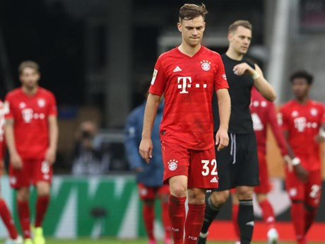 Bayern Munich chia điểm trước đội bóng trong nhóm ''cầm đèn đỏ''