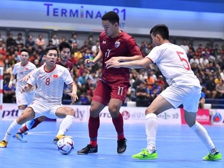 Tuyển Việt Nam thua Thái Lan ở trận 'chung kết' futsal Thai Five 2019 | Bóng đá | Vietnam+ (VietnamPlus)