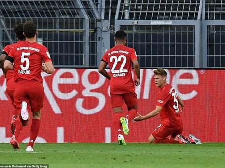 Kimmich lập siêu phẩm, Bayern hạ Dortmund ngay tại...
