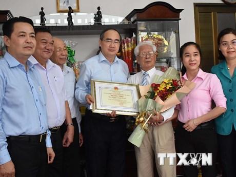 Ông Nguyễn Thiện Nhân thăm, chúc thọ người cao tuổi tiêu biểu ở TP.HCM