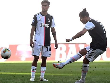 Ronaldo lập công, Juventus bứt tốc trong cuộc đua đến ngôi vương | Bóng đá | Vietnam+ (VietnamPlus)