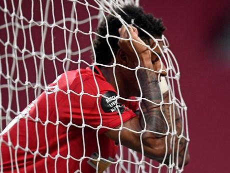 Cận cảnh Manchester United đánh rơi chiến thắng ở phút cuối | Bóng đá | Vietnam+ (VietnamPlus)