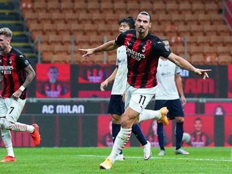 Zlatan Ibrahimovic lập cú đúp giúp AC Milan thắng trận ra quân