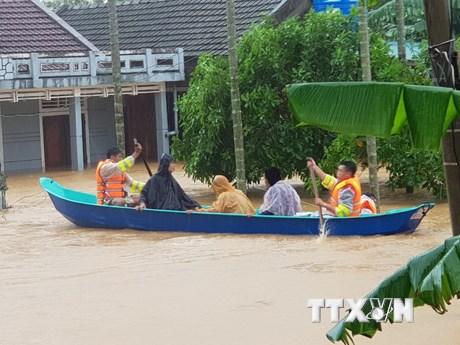 Hỗ trợ người dân vượt qua khó khăn và khắc phục hậu quả thiên tai