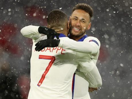 'Song sát' Neymar-Mbappe giúp PSG hạ Bayern ngay tại Allianz