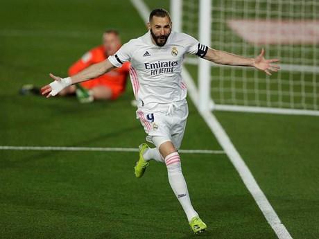 Đánh bại Barcelona, Real Madrid leo lên ngôi đầu La Liga