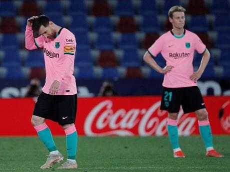 Đánh rơi chiến thắng, Barcelona hụt hơi trong cuộc đua đến ngôi vương