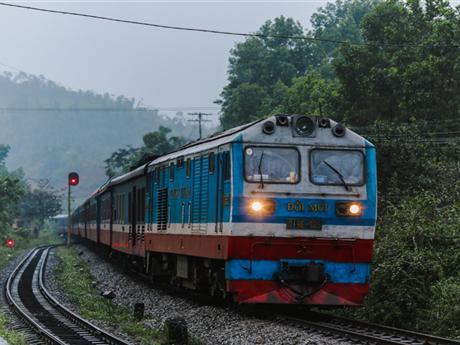 Vắng khách, ngành đường sắt cắt giảm thêm nhiều đoàn tàu sau Tết
