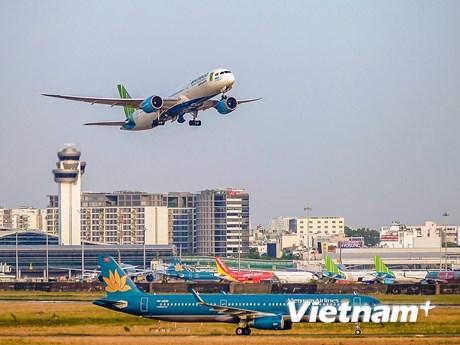 Vé máy bay đến nhiều điểm du lịch tăng cao trở lại dịp lễ 30/4-1/5