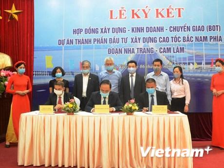 Dự án cao tốc Bắc-Nam đầu tiên được ký kết đầu tư hình thức PPP