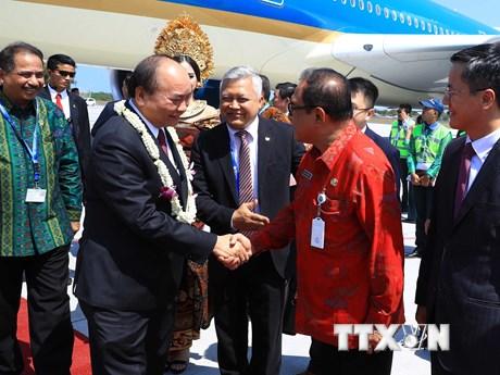 [Photo] Thủ tướng đến Indonesia dự Cuộc gặp các Nhà lãnh đạo ASEAN