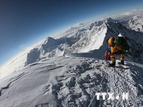 Đỉnh Everest chứng kiến số người thiệt mạng kỷ lục trong năm 2019 | Đời sống | Vietnam+ (VietnamPlus)