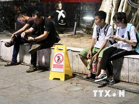 Hà Nội: Chuyển biến tích cực từ ghi hình xử phạt xả rác bừa bãi | Môi trường | Vietnam+ (VietnamPlus)