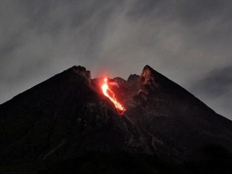 Indonesia: Núi lửa Merapi tỉnh giấc đe dọa cuộc sống người dân | Môi trường | Vietnam+ (VietnamPlus)