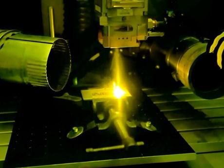 Australia có thể kiểm soát ánh sáng laser chỉ với chi phí rất rẻ | Khoa học ứng dụng | Vietnam+ (VietnamPlus)
