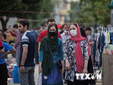 COVID-19: Tổng thống Iran kêu gọi người dân chấm dứt tụ tập đông người