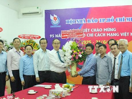 Lãnh đạo Thành phố Hồ Chí Minh chúc mừng các cơ quan báo chí   Truyền thông   Vietnam+ (VietnamPlus)