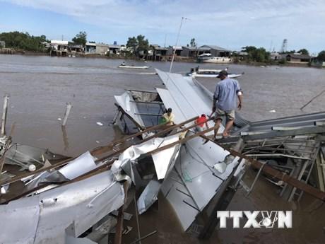 Cà Mau: Liên tiếp xảy ra sạt lở, một nhà dân bị dòng sông ''nuốt'' gọn