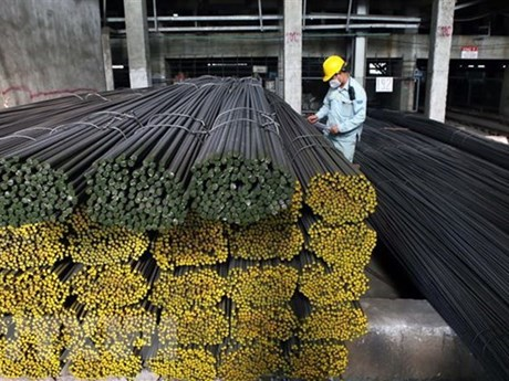 Bộ Tài chính: Giảm thuế nhập khẩu ưu đãi với thép cần cân nhắc