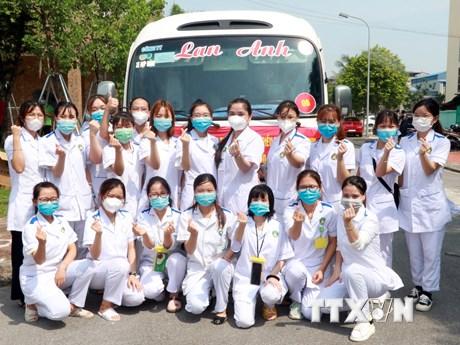 235 chiến sỹ áo trắng Trường ĐH Điều dưỡng Nam Định hỗ trợ Đồng Nai