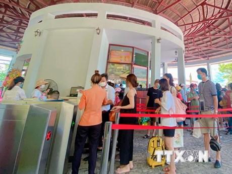 Lịch di chuyển dày đặc của ca mắc COVID-19 ở thành phố Đà Nẵng