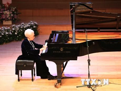 Đêm nhạc Trăm mùa Thu vàng vinh danh Nghệ sỹ Nhân dân Thái Thị Liên