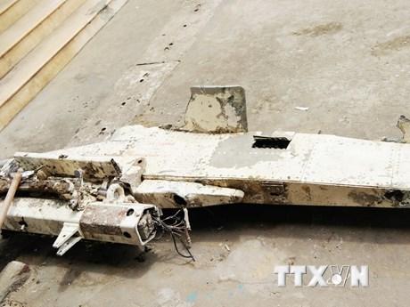 Cận cảnh vật thể nghi bộ phận máy bay trên vùng biển Quảng Bình