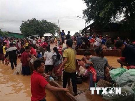 Doanh nghiệp Việt tiếp tục hỗ trợ người dân Lào bị ảnh hưởng vỡ đập