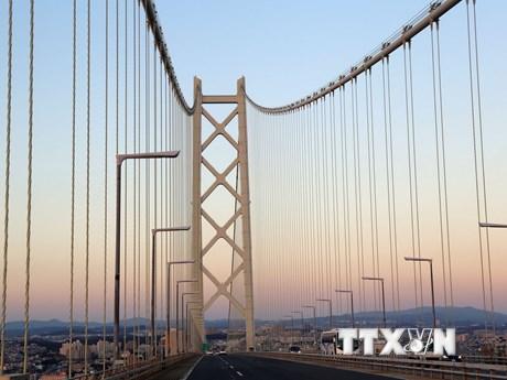 Chiêm ngưỡng Akashi-Kaikyo cây cầu treo nhịp dài nhất thế giới
