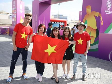 [Photo] CĐV truyền lửa cho Đội tuyển Việt Nam trước trận gặp Jordan