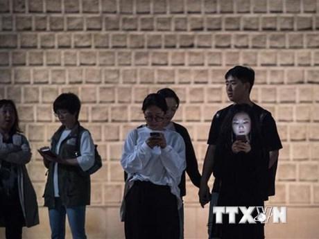 Hàn Quốc cảnh báo tình trạng giới trẻ nghiện điện thoại và Internet | Công nghệ | Vietnam+ (VietnamPlus)